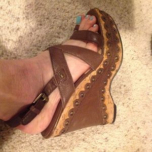 Michael Kors Brown leather sandals with toe loop